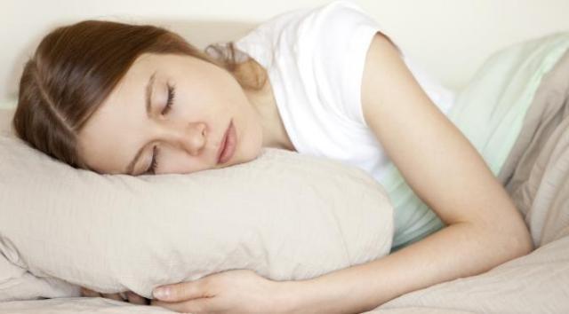 049062000_1441937793-o-WOMAN-SLEEPING-PILLOW-facebook