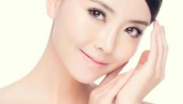 kulit-wajah-muka-sensitif-pelembab-kosmetik-produk-perawatan-merawat-mengatasi-700x400