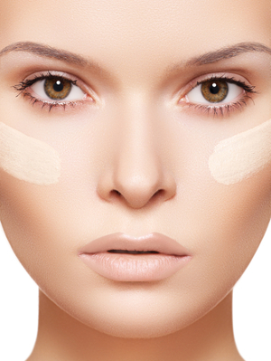 woman-foundation-on-face