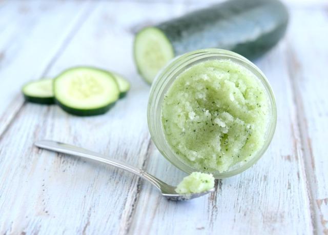 Cucumber-Mint-Sugar-Scrub-Recipe-010-1