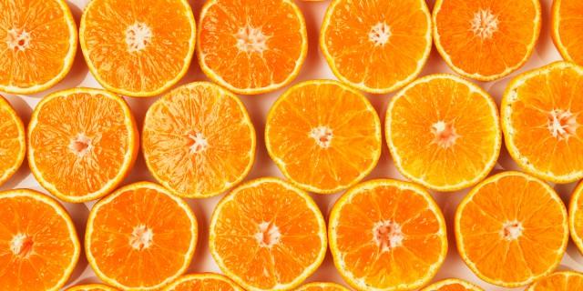 Fresh oranges --- Image by © Sprint/Corbis