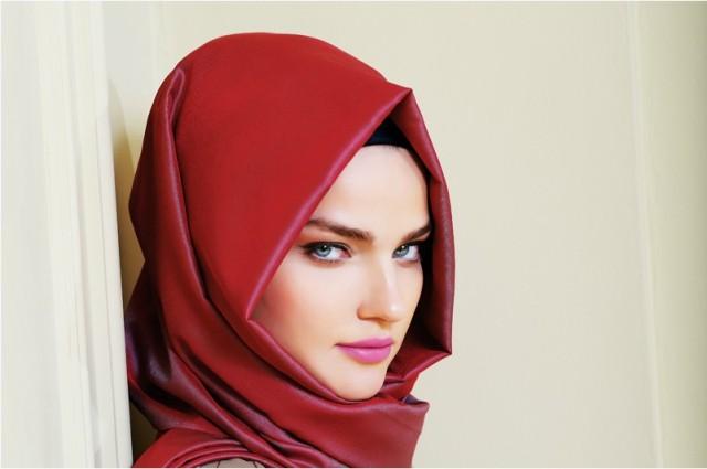 Triangle-scarf-hijab-style