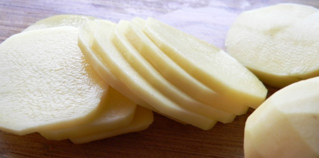 sliced-potatoes