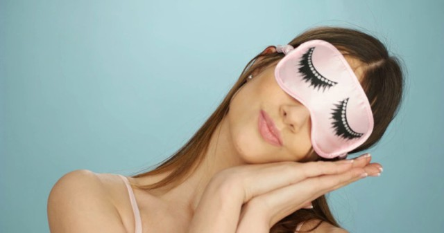 pretty-young-woman-with-a-sleep-mask-000062181700_small-850x448